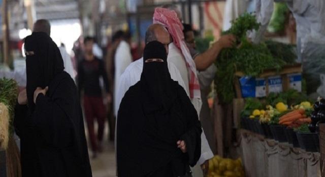 """السعودية: مطالبات عبر """"تويتر"""" براتب شهري ثابت لربات المنازل"""